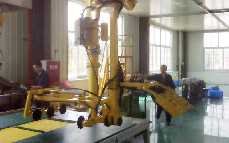 湖北客户助力机械手应用