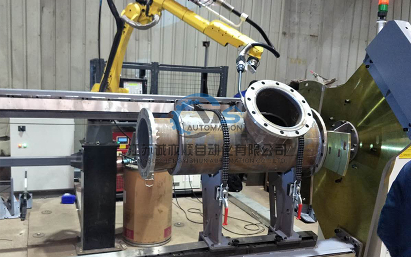 焊接机械人工作现场